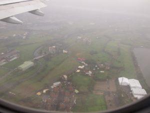 着陸直前の行きの飛行機からの眺め
