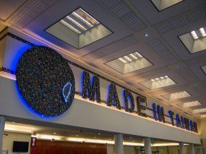 空港の待合室の飾り